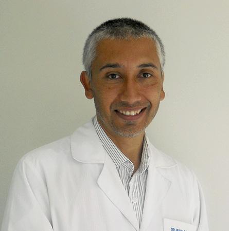 Dr. Arnoldo Riquelme P.