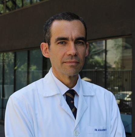 Dr. Alejandro Soza R.