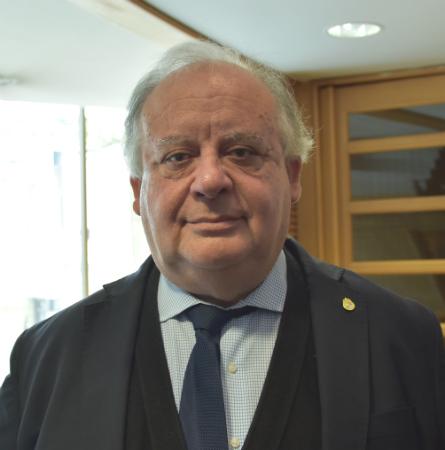 Dr. Gabriel Bastías S.