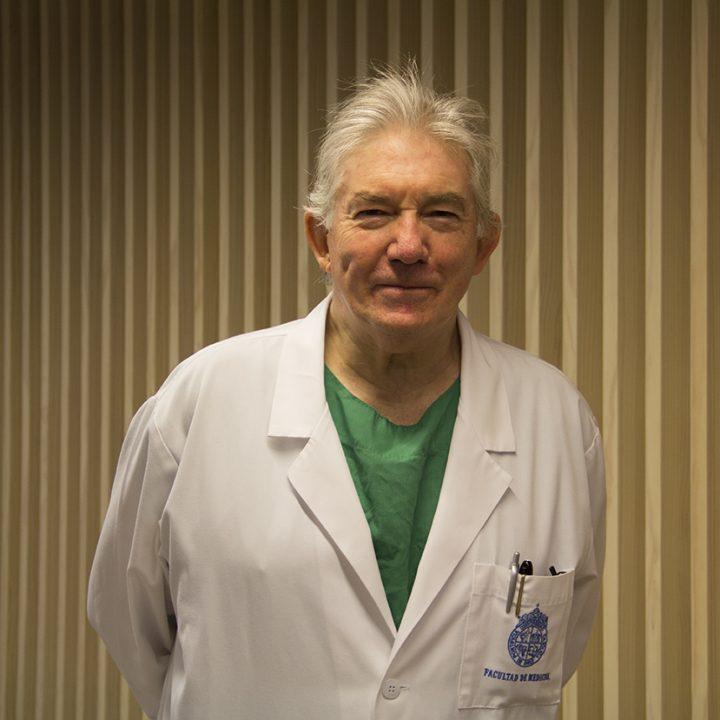 Dr. Augusto León R.