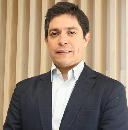 Dr. Sergio Uribe A.