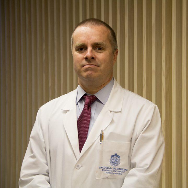 Dr. Hernán González D.
