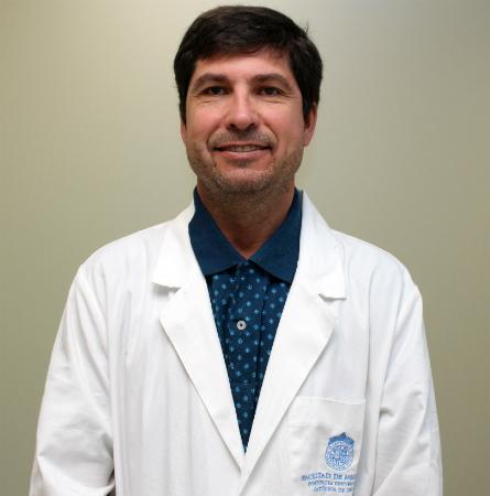 Dr. Juan Carlos De la Cuadra F.