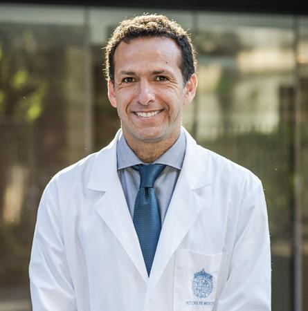 Dr. Pablo Villanueva G.