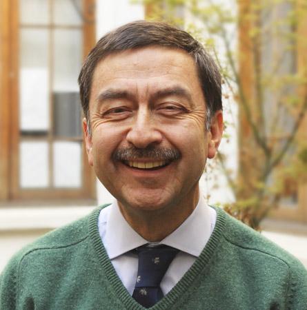 Dr. Iván Pérez H.