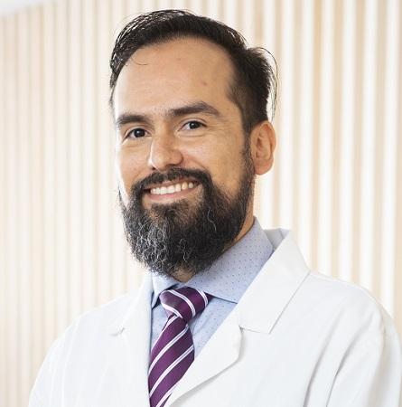 Dr. Cristóbal Morales C.