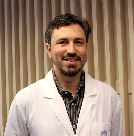 Dr. Alejandro Bruhn C.