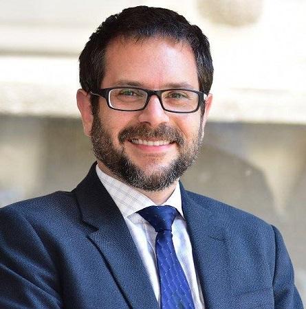 Dr. Daniel Capurro N.
