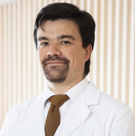 Dr. Rafael González S.