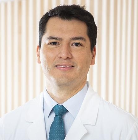 Dr. César Luna G.