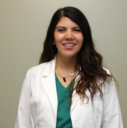 Dra. Andrea Araneda