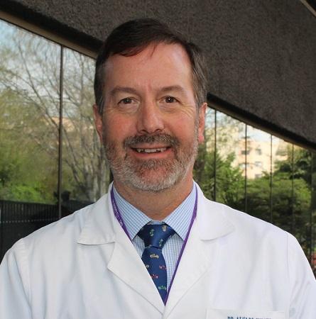 Dr. Álvaro González M.