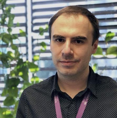 Dr. Tomás Reyes
