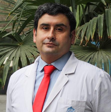 Dr. César Imarai B.